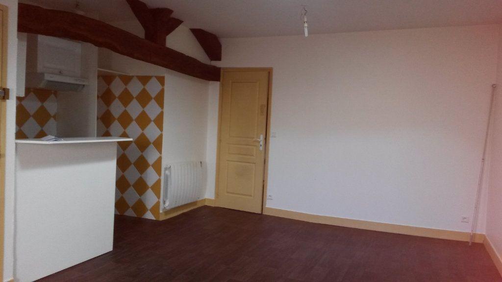 Appartement à louer 2 33m2 à Périgueux vignette-3