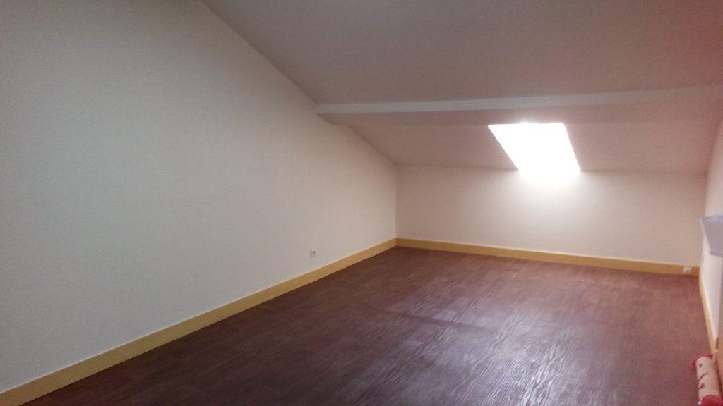 Appartement à louer 2 33m2 à Périgueux vignette-4