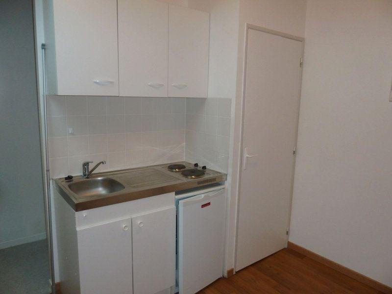 Appartement à louer 1 12m2 à Périgueux vignette-2