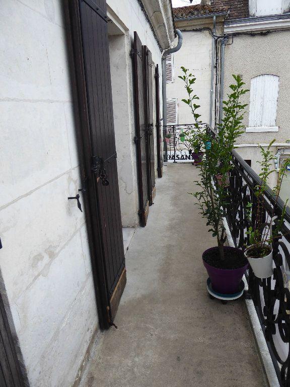 Appartement à louer 4 105m2 à Saint-Astier vignette-3