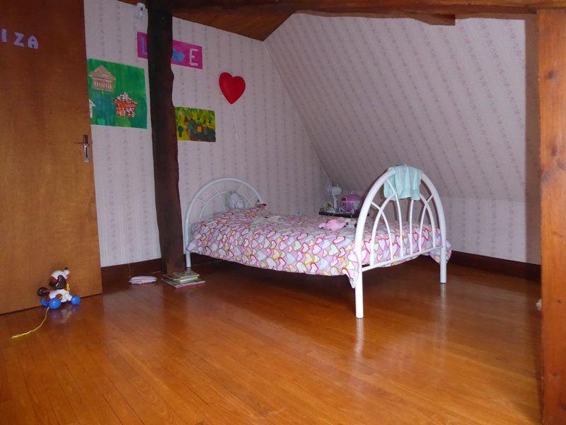 Appartement à louer 4 105m2 à Saint-Astier vignette-4