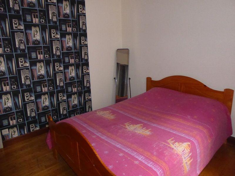 Appartement à louer 4 105m2 à Saint-Astier vignette-6