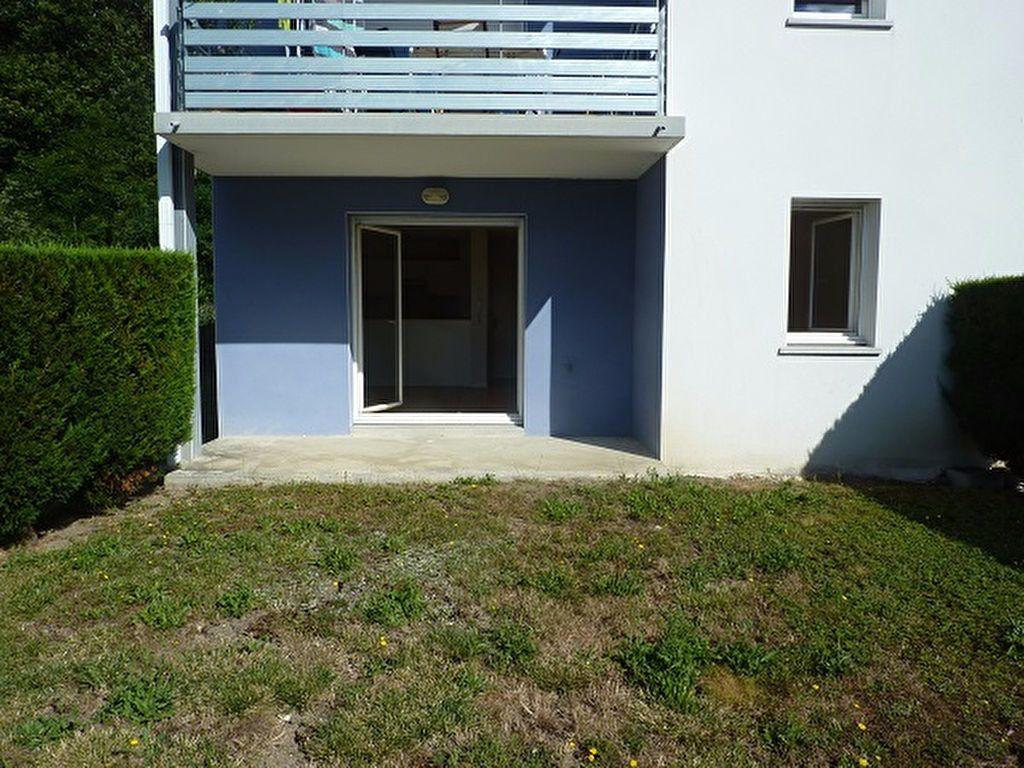 Appartement à vendre 2 41m2 à Saint-Astier vignette-1