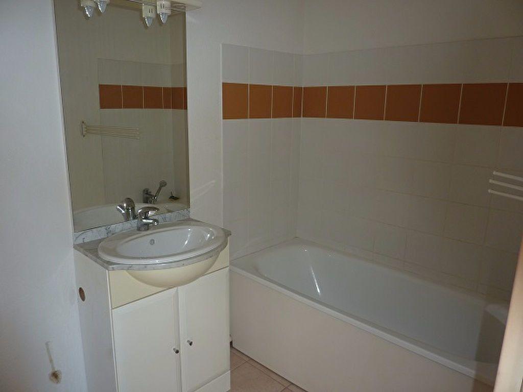 Appartement à vendre 2 41m2 à Saint-Astier vignette-3