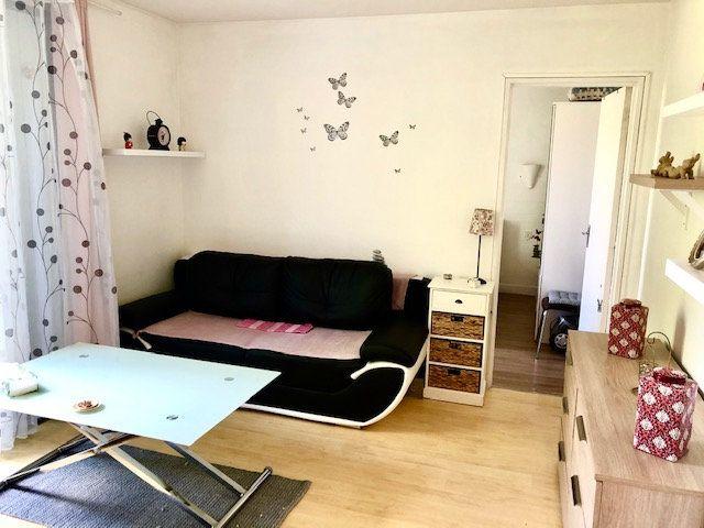 Appartement à vendre 2 32.17m2 à Notre-Dame-de-Sanilhac vignette-1