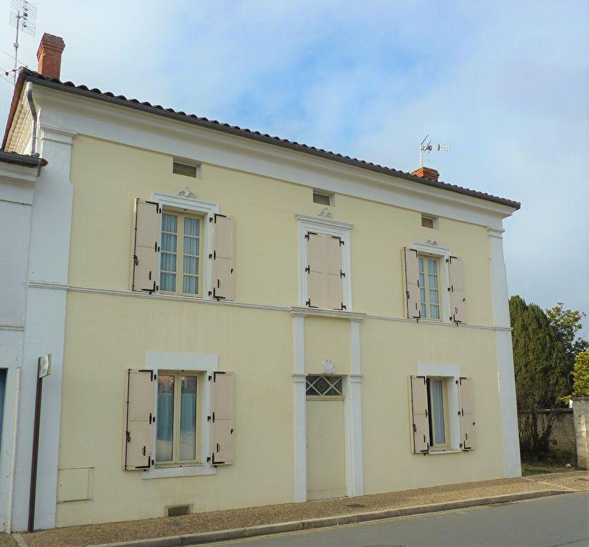 Maison à vendre 6 130m2 à Neuvic vignette-1
