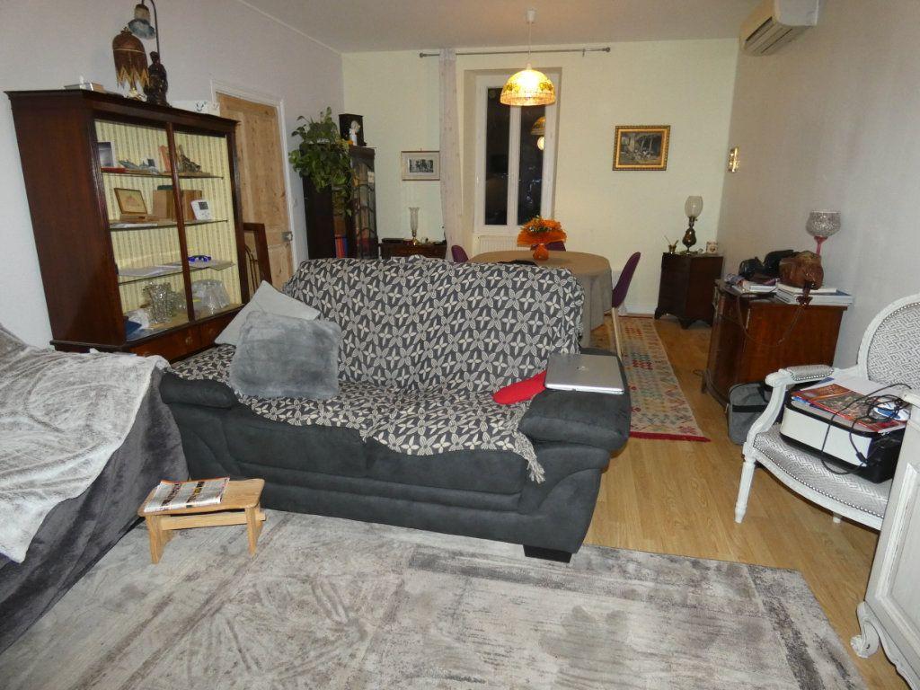 Maison à vendre 6 130m2 à Neuvic vignette-4