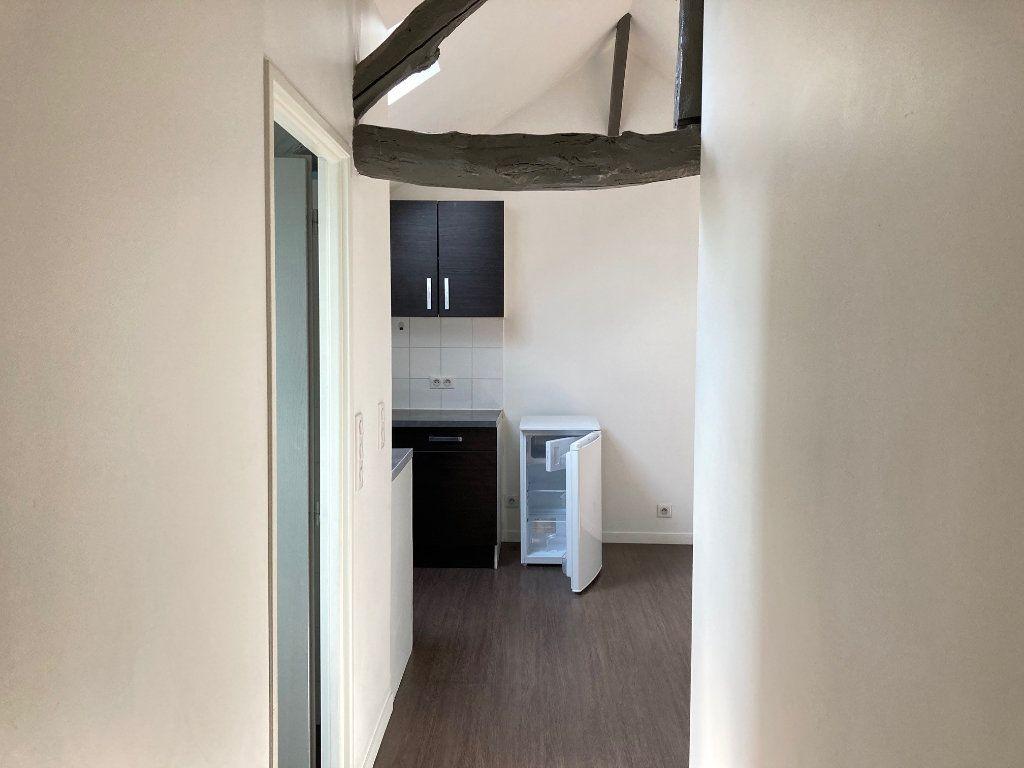 Appartement à louer 2 30m2 à Périgueux vignette-1