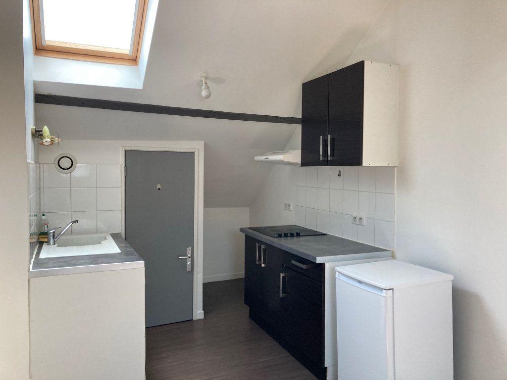 Appartement à louer 2 30m2 à Périgueux vignette-2