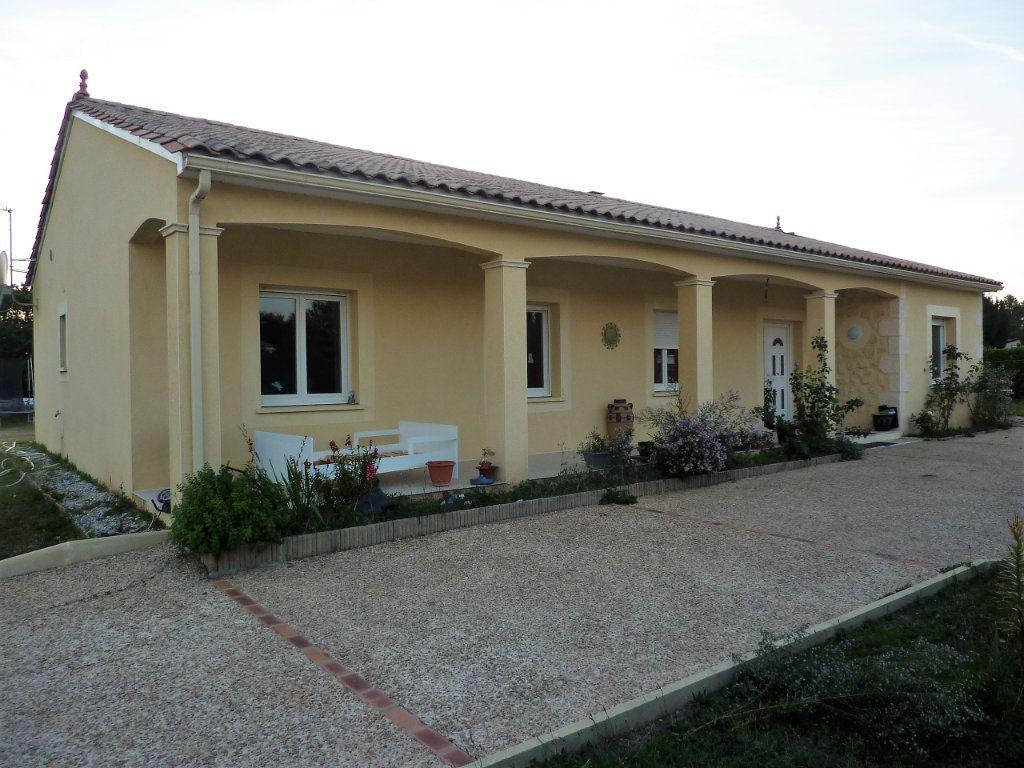 Maison à vendre 5 122m2 à Manzac-sur-Vern vignette-1