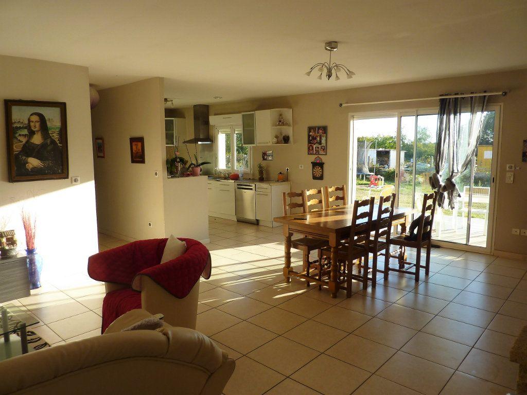 Maison à vendre 5 122m2 à Manzac-sur-Vern vignette-2