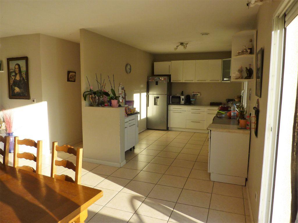 Maison à vendre 5 122m2 à Manzac-sur-Vern vignette-3