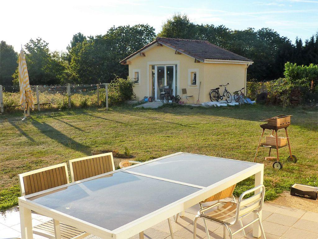 Maison à vendre 5 122m2 à Manzac-sur-Vern vignette-4