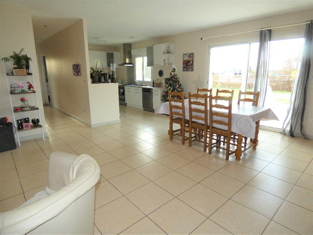Maison à vendre 5 122m2 à Manzac-sur-Vern vignette-8