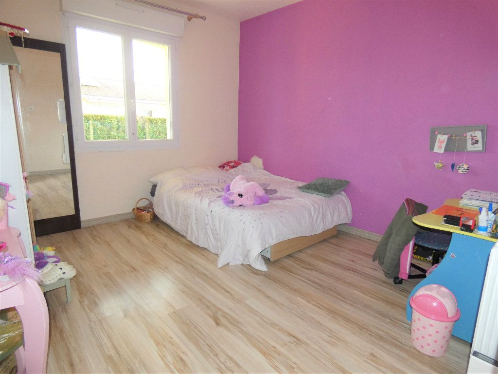 Maison à vendre 5 122m2 à Manzac-sur-Vern vignette-9