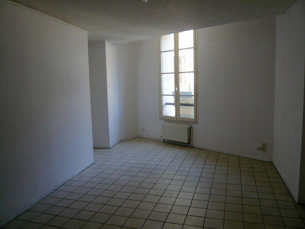 Appartement à louer 1 36m2 à Périgueux vignette-1