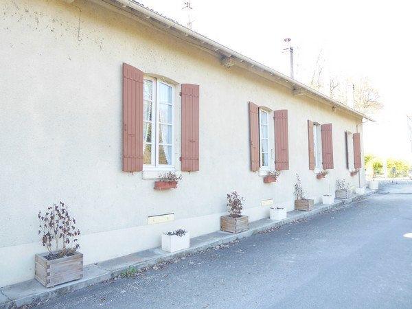 Maison à vendre 5 140m2 à Saint-Astier vignette-1