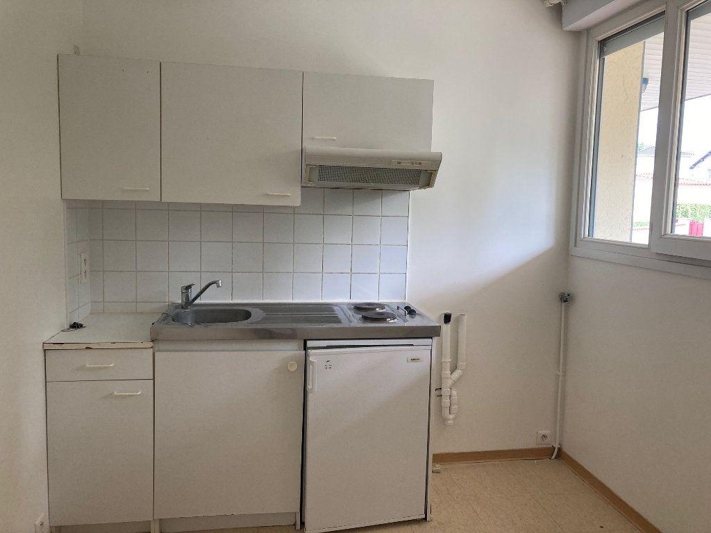 Appartement à louer 1 30.93m2 à Périgueux vignette-3