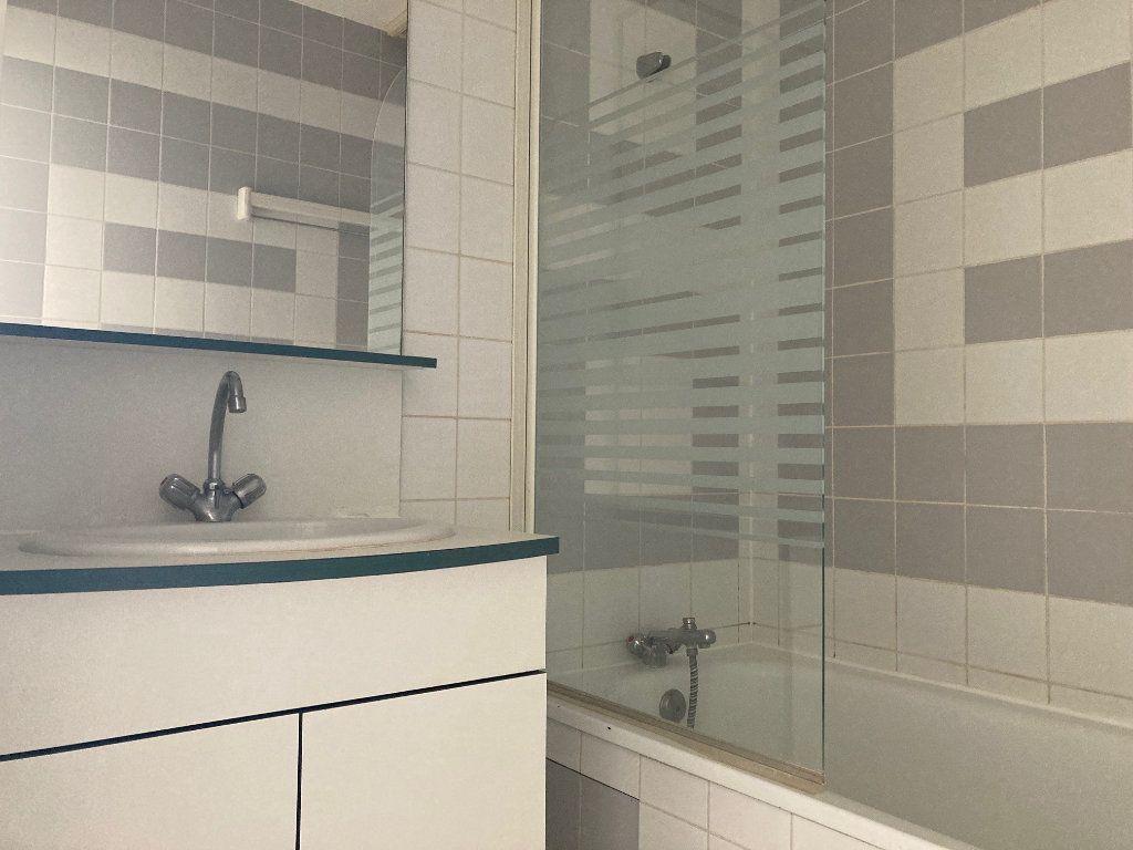 Appartement à louer 1 30.93m2 à Périgueux vignette-4