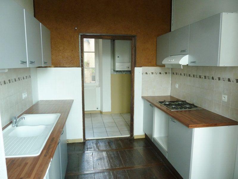 Appartement à louer 5 190m2 à Périgueux vignette-2