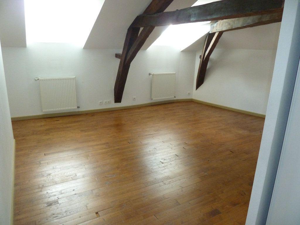 Appartement à louer 5 190m2 à Périgueux vignette-4
