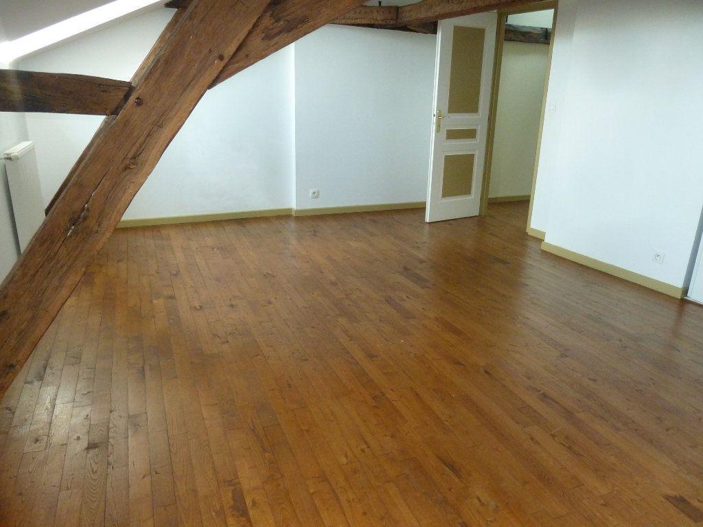 Appartement à louer 5 190m2 à Périgueux vignette-5