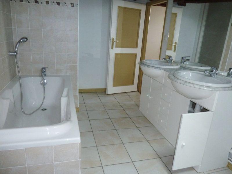 Appartement à louer 5 190m2 à Périgueux vignette-6