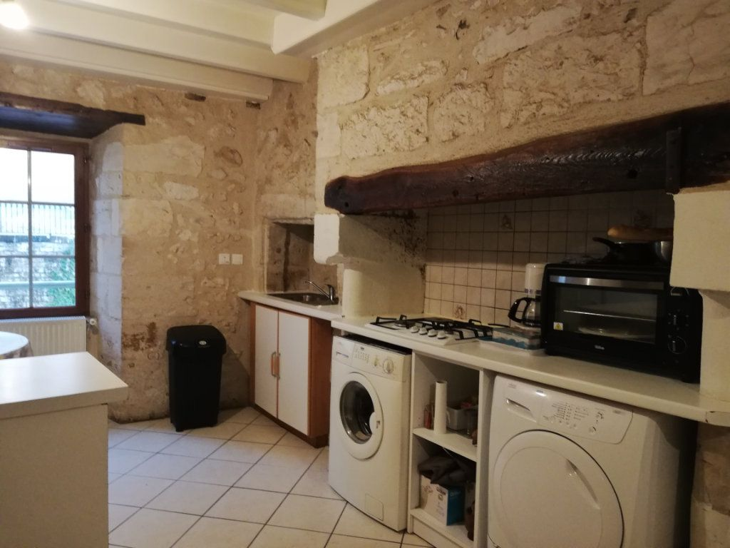 Appartement à louer 3 39m2 à Saint-Astier vignette-1