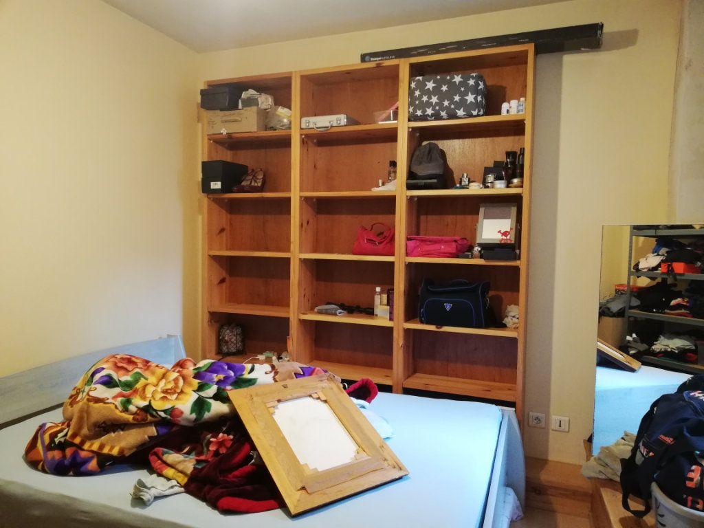 Appartement à louer 3 39m2 à Saint-Astier vignette-5