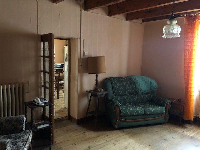 Maison à vendre 3 70m2 à Saint-Aquilin vignette-4