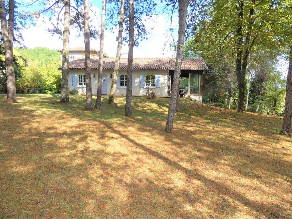 Maison à vendre 8 180m2 à Saint-Astier vignette-2
