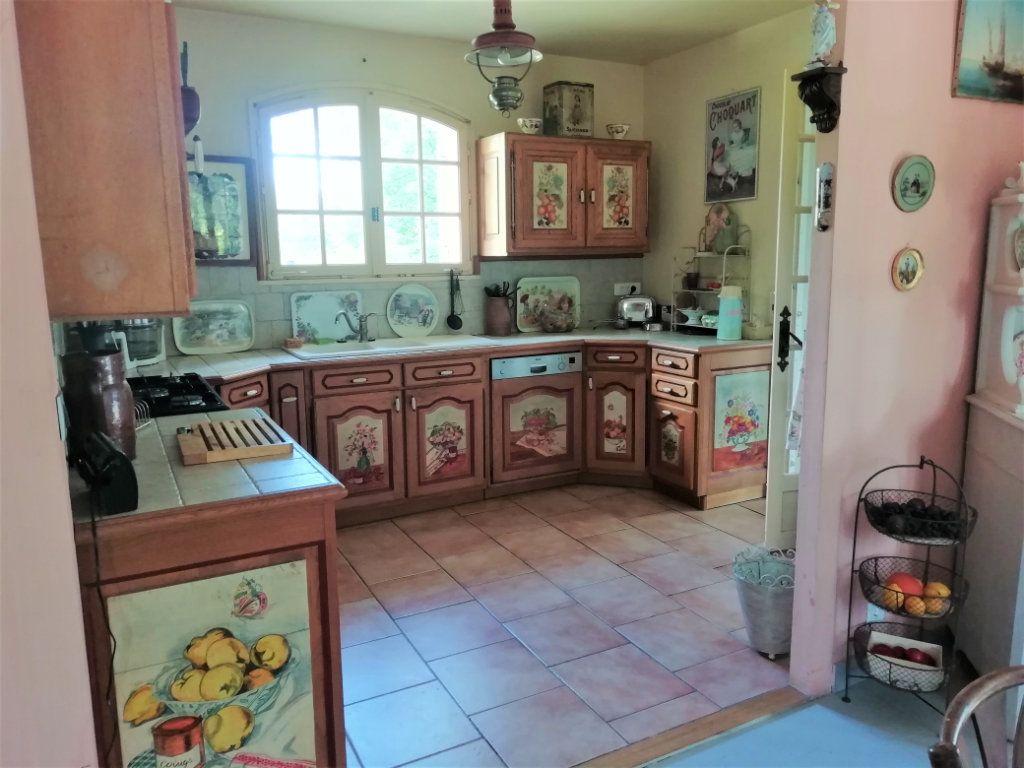 Maison à vendre 8 180m2 à Saint-Astier vignette-3