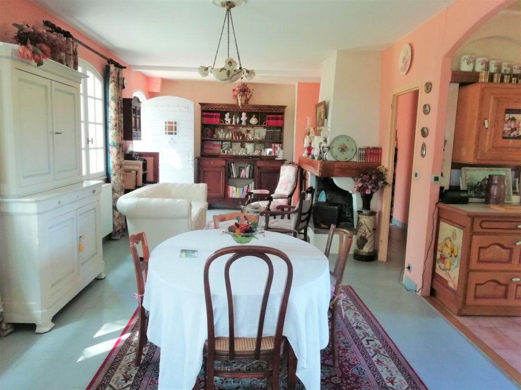 Maison à vendre 8 180m2 à Saint-Astier vignette-4