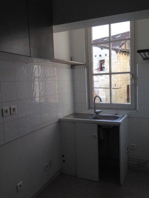 Appartement à louer 3 71m2 à Périgueux vignette-2