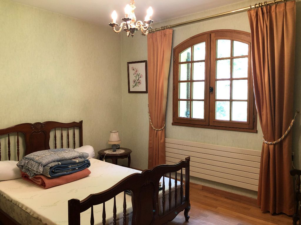 Maison à vendre 5 130m2 à Trélissac vignette-4