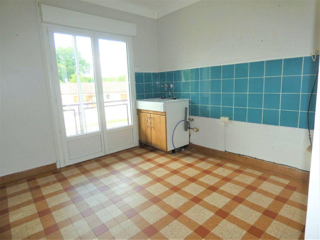 Maison à vendre 5 81m2 à Saint-Astier vignette-4