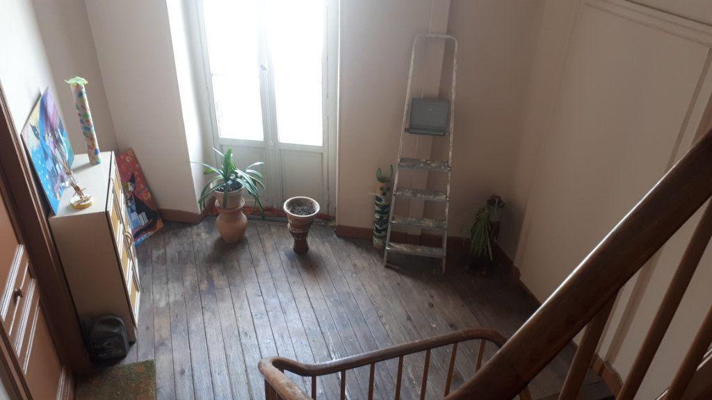 Appartement à vendre 2 31m2 à Périgueux vignette-1