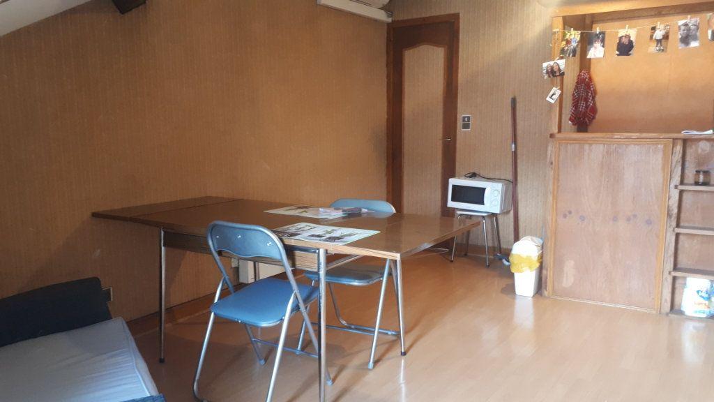 Appartement à vendre 2 31m2 à Périgueux vignette-3