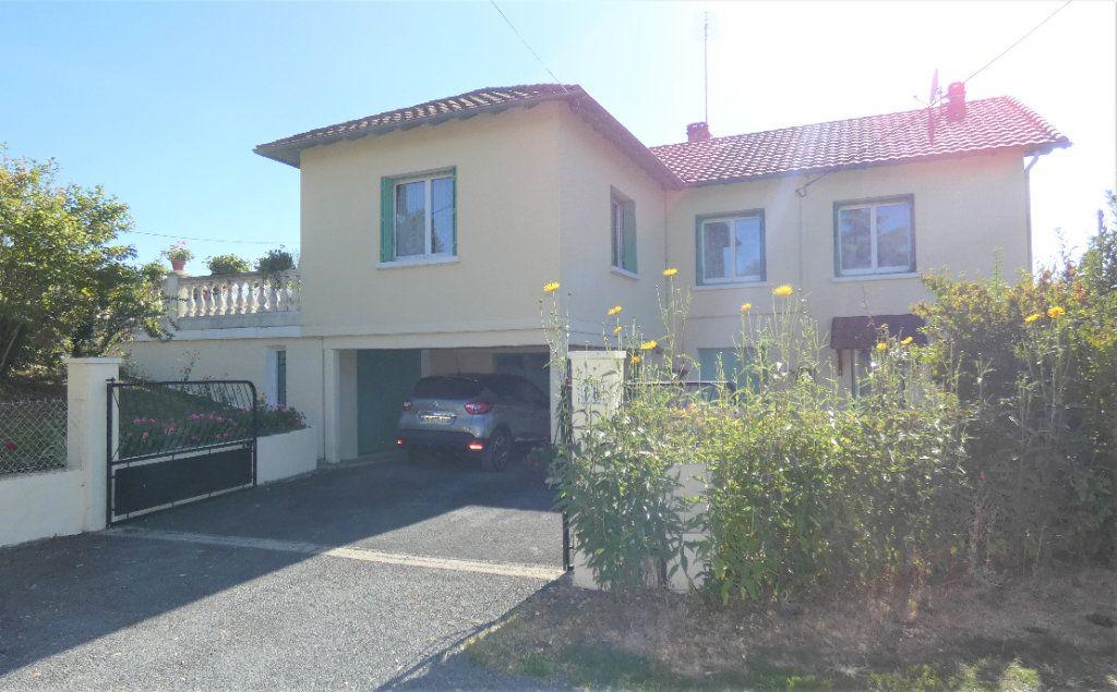 Maison à vendre 4 146m2 à Neuvic vignette-1