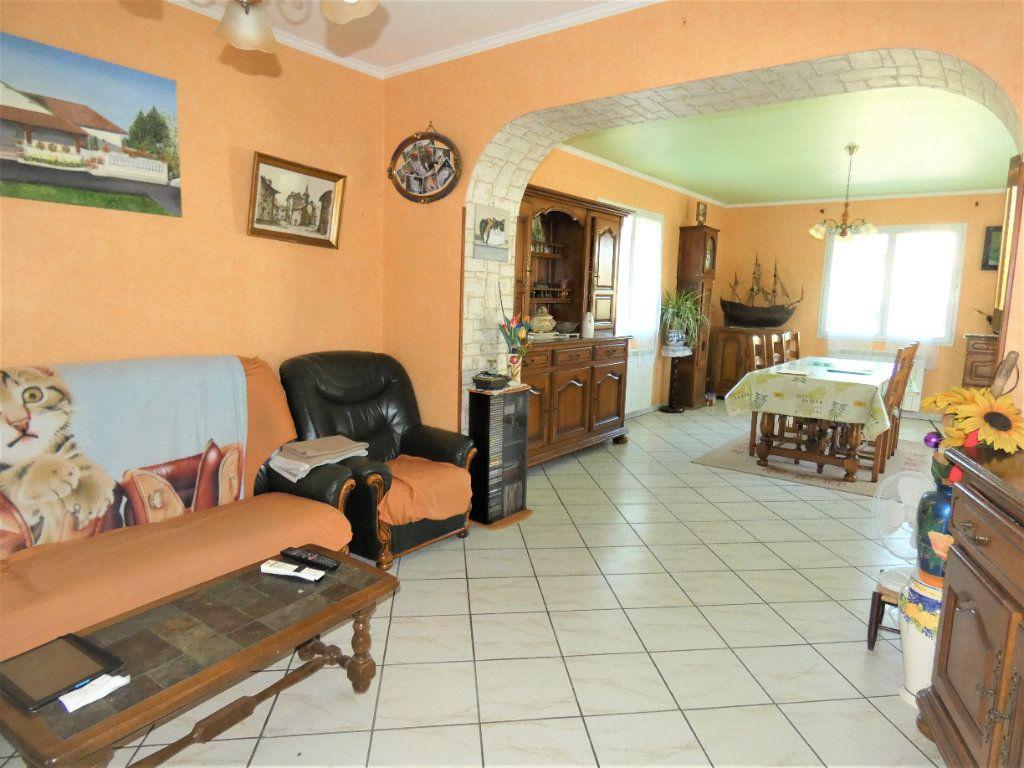 Maison à vendre 4 146m2 à Neuvic vignette-3