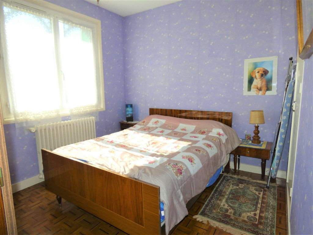 Maison à vendre 4 146m2 à Neuvic vignette-4