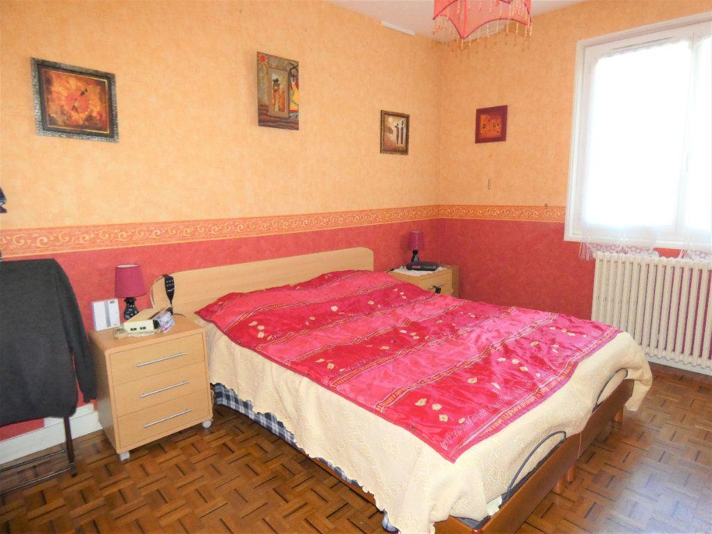 Maison à vendre 4 146m2 à Neuvic vignette-5