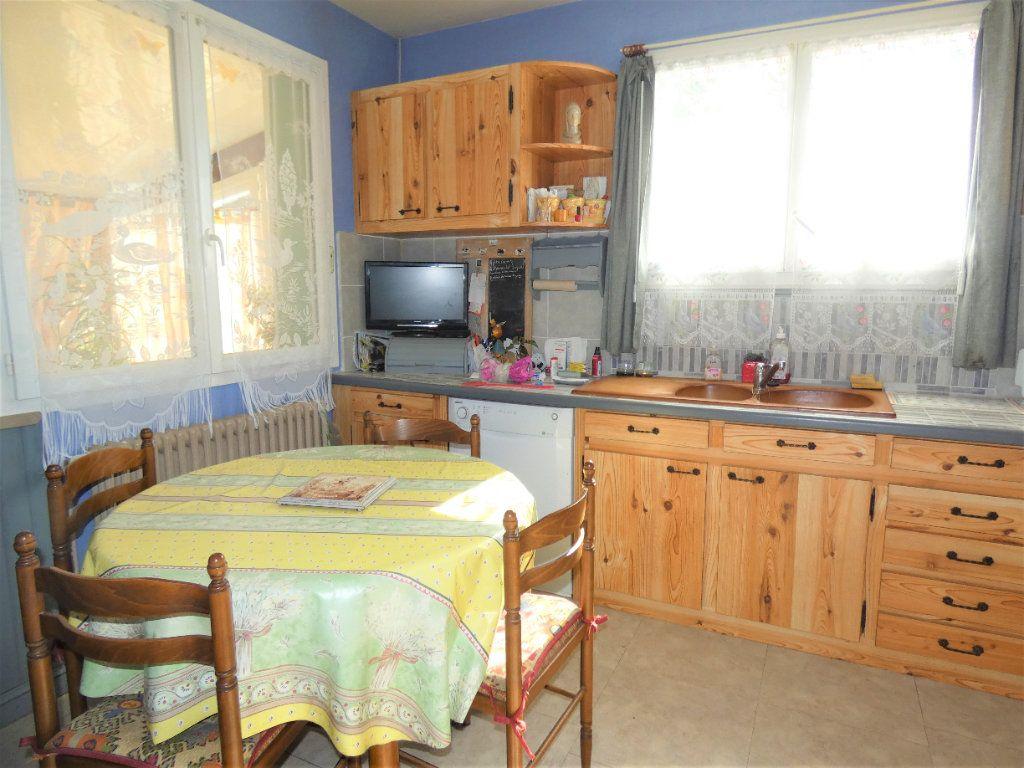 Maison à vendre 4 146m2 à Neuvic vignette-6
