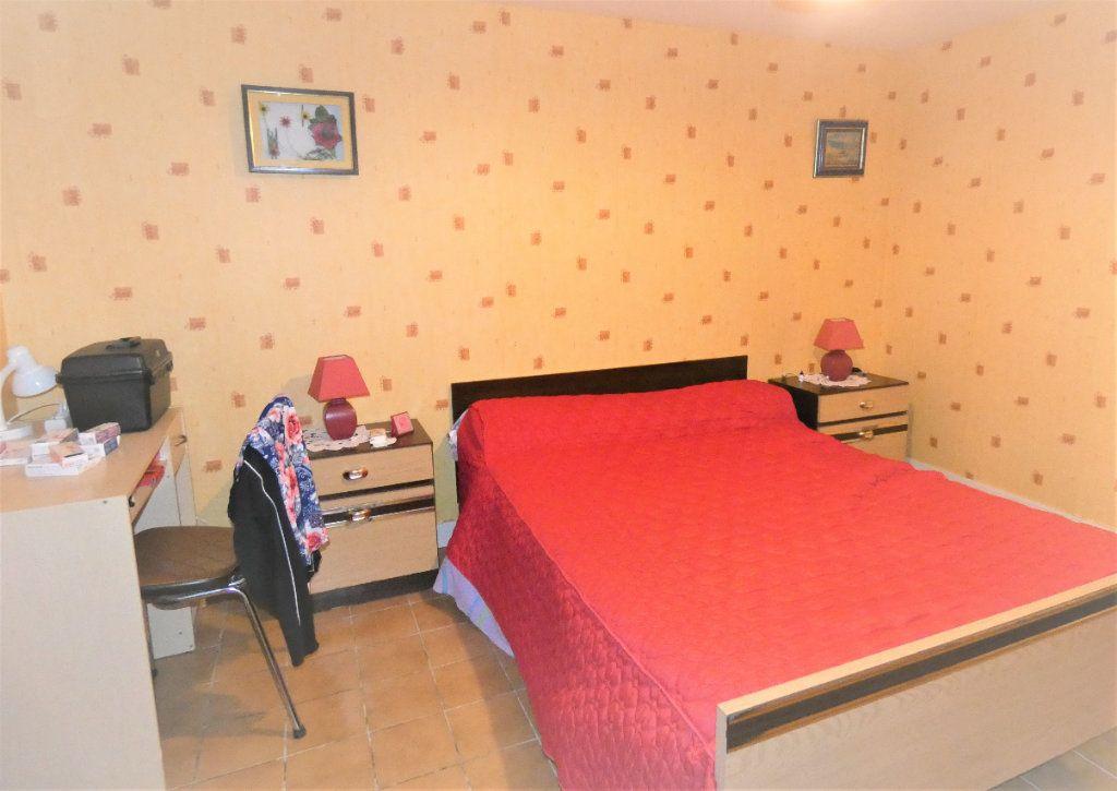 Maison à vendre 4 146m2 à Neuvic vignette-8