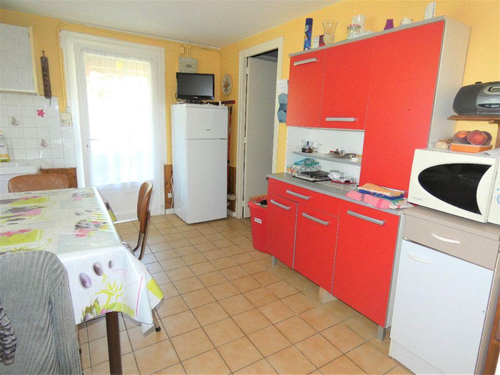 Maison à vendre 4 146m2 à Neuvic vignette-9
