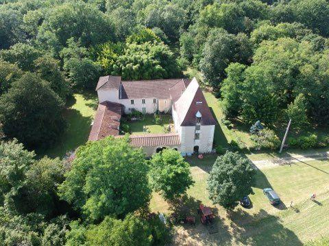 Maison à vendre 20 605m2 à Saint-Astier vignette-1