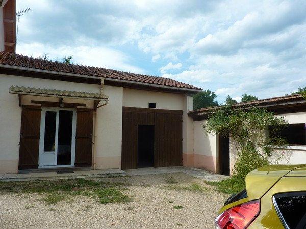 Maison à vendre 5 140m2 à Saint-Astier vignette-2