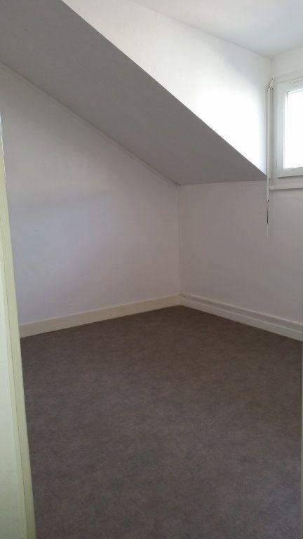 Appartement à louer 2 31.94m2 à Périgueux vignette-3