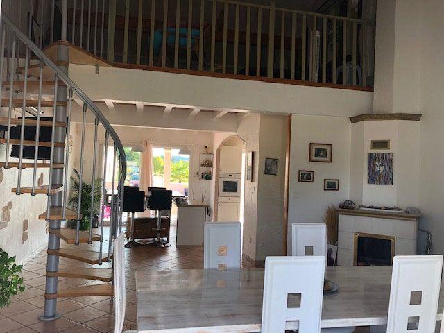 Maison à vendre 5 138m2 à Neuvic vignette-4