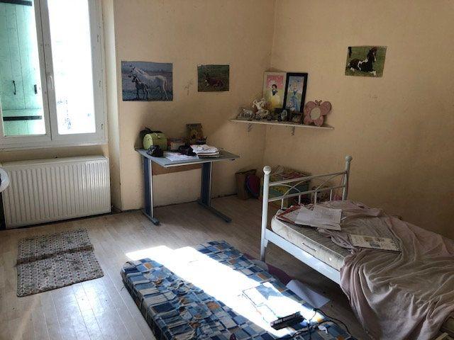 Maison à vendre 4 120m2 à Saint-Germain-du-Salembre vignette-7